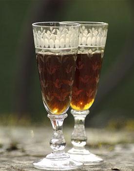 Walnut wine is the favorite aperitif in the Dordogne