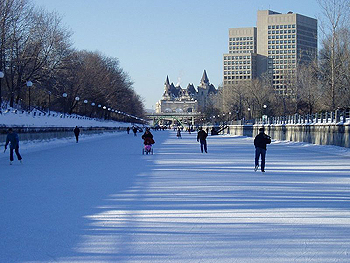 Ontario's Rideau Canal in winter becomes the World's largest natual ice rink!