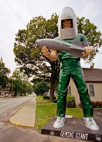 """""""Muffler man"""" in Wilmington, Illinois."""