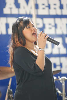 Thai singer belts out the Star Spangled Banner in English.