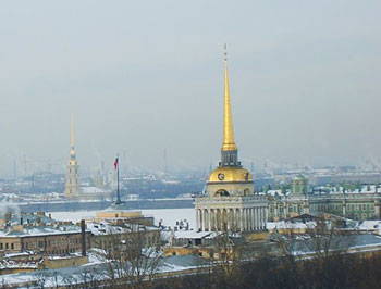 The Admiralty, with its famous gilded spire and the Cathedral of St. Peter and St. Paul