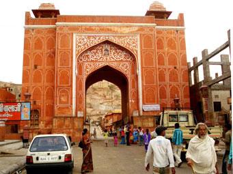The imposing gateway to Galtaji shrine