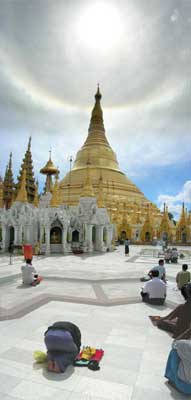 The Shwedagon Pagoda in Myanmar - photos by Sony Stark
