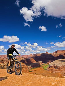 Biking on the White Rim trail in the Canyonlands of Utah - photos by Matthew Kadey