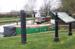 Grantham Boat Services, Hillmorton