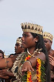 Tarawa natives greeting Roz.