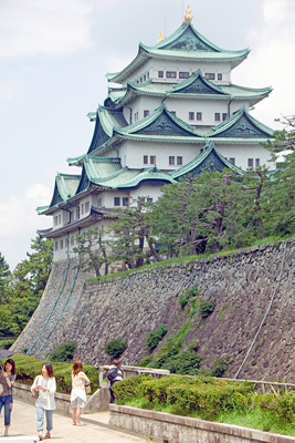 Nagoya Castle. Photos by Mike Smith, AsiaPhotoStock.