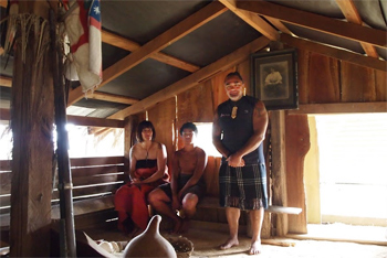 In the hut that's a shrine to his grandfather, Hone, Judy and their son performed the Maori welcome ritual and commemoration of the ancesters who have left the earth.