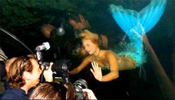 Visit the City of Live Mermaids at Weeki Wachi, Florida. photo: WN.com