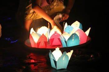 Loi's Lights: Thailand's Beautiful Loi Krathong Festival