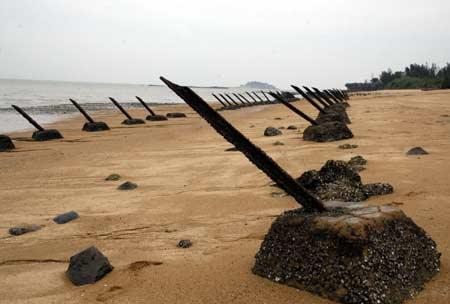 Kinmen Island's anti-landing barricades, facing China. photo China Post.