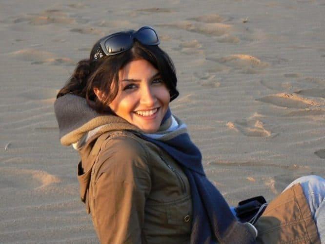 Friendly face in the desert, where headscarves aren't needed.