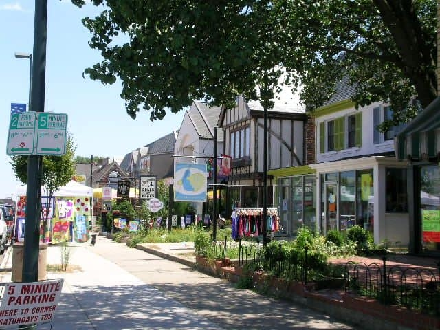 Carytown is the home of many locally-owned boutiques and cafes, and is a great place for a stroll in Richmond.