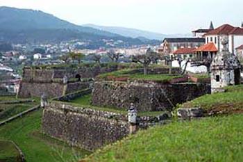 Northwest portugal 39 s vinho verde route gonomad travel for Muebles portugal valenca