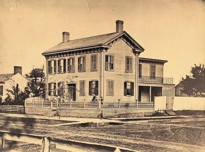 Abe Lincoln home in Springfield, Illinois. Iron Brigador.com photo