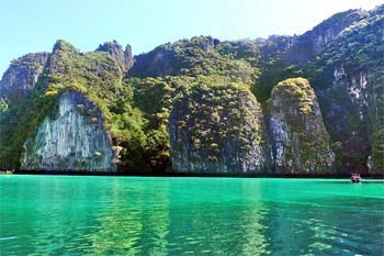 Phi Phi Islands, Thailand: Beauty and a Bummer