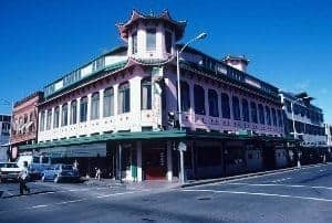 Old Wo Fat Building, Honolulu's Chinatown. photos by John Peniston.