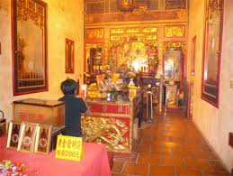 Praying in a Lukang temple.