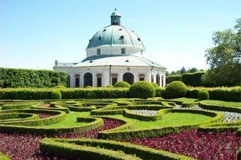 Kromeriz, Czech Republic: Formal Gardens Go Wild