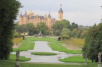 Northeastern Germany's Castles: Living Regally
