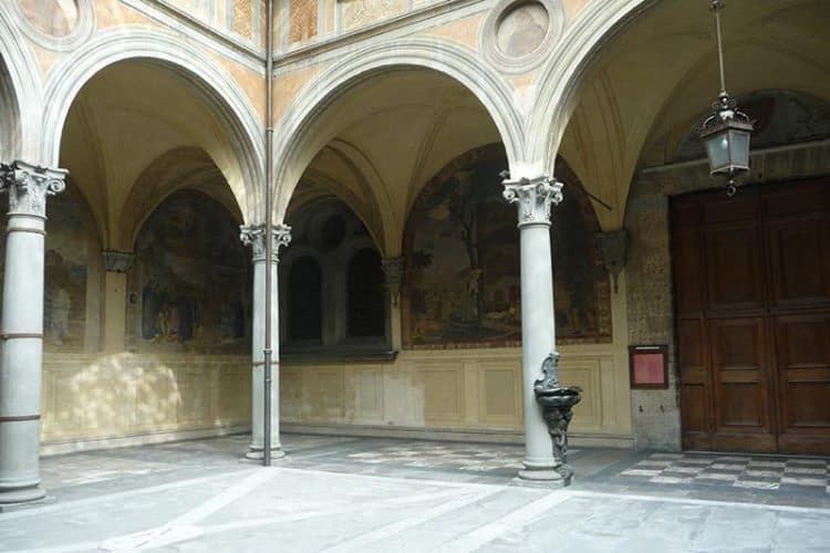 Florentine courtyard