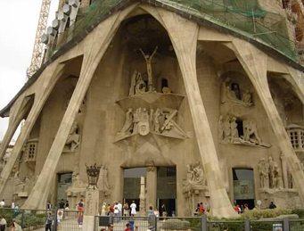 sagrada-entrance