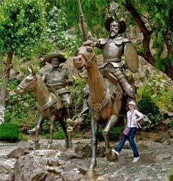 Statue of Don Quixote and Sancho Panza in the Plaza Allende with the phtographer's niece