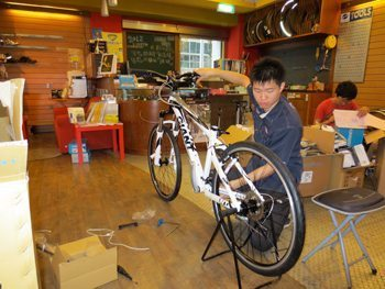 A worker assembles a bike at the Giant Factory in Taiwan.