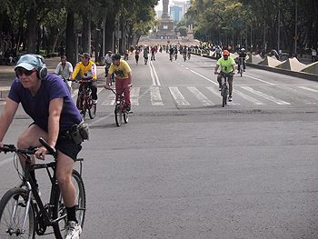 Biking down the Reforma, closed on Sundays, that is usually packed with cars, trucks and taxis. Max Hartshorne photos.