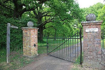 The entrance to Moushill Mead in England.