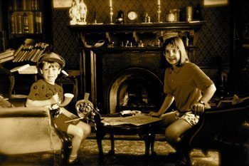 Children at the Sherlock Holmes Museum in London.