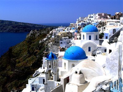 Travel Unscripted: The Santorini Shakedown