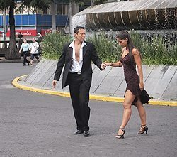 Tango on the Reforma, a main boulevard through the city.
