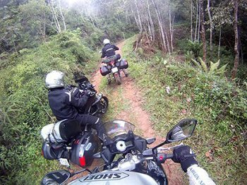 Trail riding in the jungles of Brazil with Brazil on Bikes.