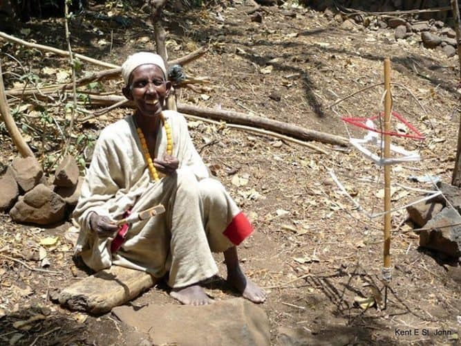 Weaving cotton near the source of the Blue Nile in Ethiopia