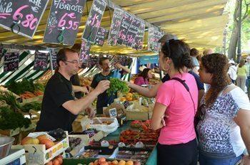 A busy Paris market.