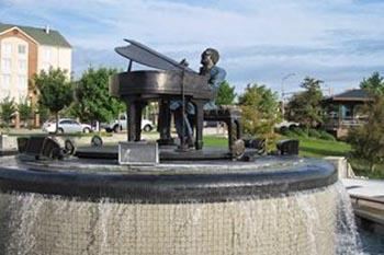 Ray Charles welcomes visitors to his hometown of Albany Georgia. Eleanor Hendricks McDaniel photos