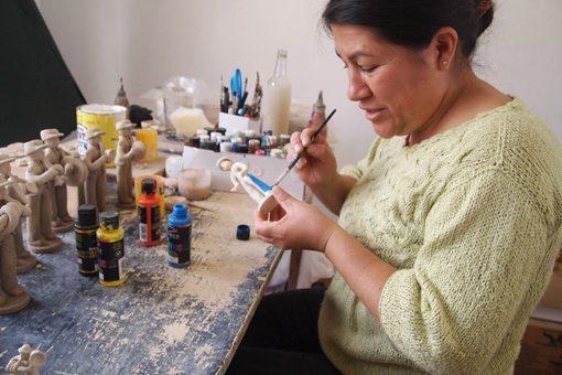 Figurine maker Rosita Laja in Chordeleg Azuay.