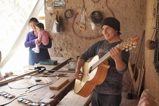 Guitarmaker Santiago Uyaguari follows his father's footsteps in the business.