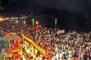Full-Moon-Party-Haad-Rin-Ko-Pha-Ngan-Thailand-41