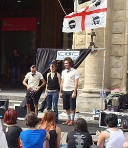 Loud street performers are sometimes annoying in Bologna. Tina Gordon photo.