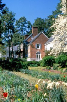 Weymouth Center for the Arts, Pinehurst. photo: CVB PinehurstSouthern Pines and Aberdeen Area