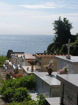 Isla Moros cemetery.
