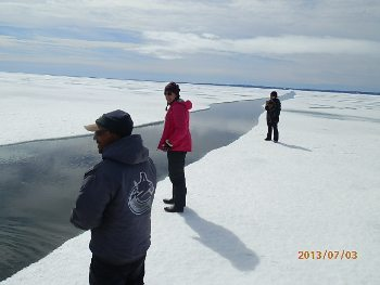 Tour group explores Arctic Canada