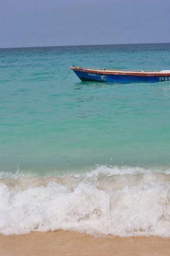 de62ec8e117 White sand and blue waters in Isla Baru, near Cartagena Colombia. photos by  Nikki