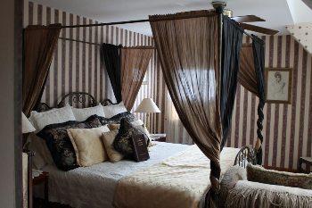 The Emily Dickinson room at the Palmer House Inn