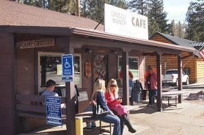 Waiting for a table at the Grizzly Manor Cafe in Big Bear CA.