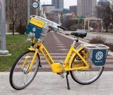 Bikeshare bike in Indianapolis, sponsored by the Pacers.