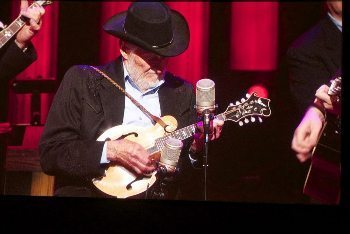 Jesse McReynolds on mandolin.