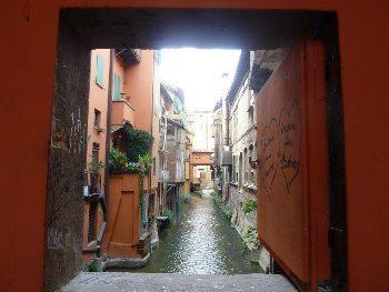 Canal delle Moline in Bologna.